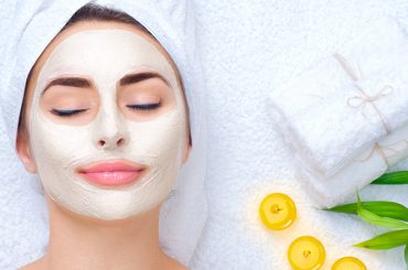 Try These Vitamin E Masks for Spot-free and Baby Soft Skin