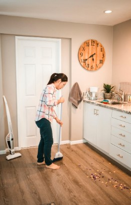 5 Simple Ways To Keep Your House Clean It can be really stressful going home straight from work and being met with a load of clutter, dishes sunk in the sink in greasy water and a total mess of a house. If this sounds like your everyday life, then maybe you're doing something wrong or you're missing out on a few tips and tricks on how to keep your house effortlessly clean. 1. Regular Cleaning That does not sound like effortless at all. Regular cleaning surely requires some muscle and time, right? I know. But tell you what, on the contrary regular cleaning actually requires less effort if you clean your house regularly compared to cleaning every other month. Regular cleaning is all about maintenance and keeping a clean house clean. You can do this on a weekly basis or twice a week if you must. Investing a minimum of 30 minutes 4 to 8 times a month is less hassle than sacrificing a whole day to clean up a well-battered home. 2. Don't make a mess This is the simplest yet the hardest thing to do for every homeowner. If you are experiencing problems involving an untidy home, you may be guilty of one of the capital sins: sloth. You don't make an effort to keep your house clean; After every meal, you leave your dirty dishes to soak in your sink instead of washing them right there and then. Instead of putting your dirty clothes in the hamper, you leave them wherever you took them off. And, instead of sweeping crumbs of food on the floor after cooking or eating, you kick them under the fridge. It's time to make a change. All these small and sometimes unnoticeable habits contribute to the large literal mess you're in right now. Eliminating these habits will dramatically transform your home to a much more livable space - a cleaner, healthier and less of an eyesore house. 3. Hire a cleaner If for some reason you can't really exert even the tiniest effort to keep your house clean then let somebody do it for you. Cleaning services exist exactly for this reason - to cater to the c